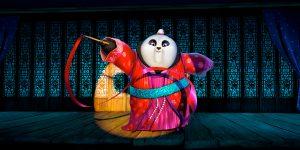 Kate Hudson's Ribbon-Twirling Panda